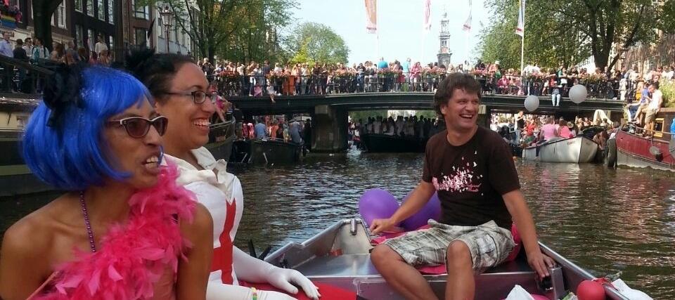 Sloep huren Koningsdag Gay Pride Boats4rent Amsterdam