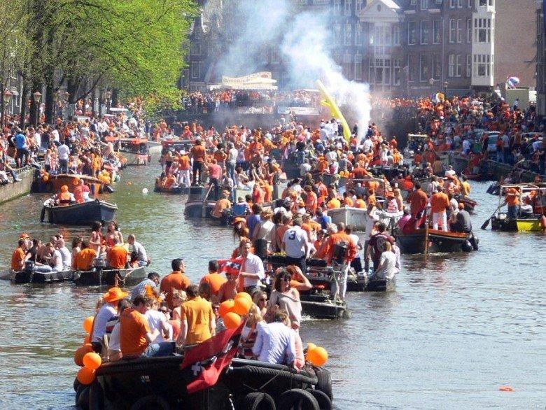 Koningsdag Sloep Huren Amsterdam Boats4rent