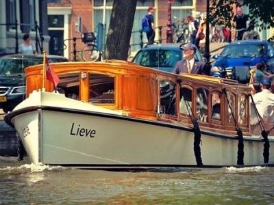 Prive luxe boot huren in Amsterdam