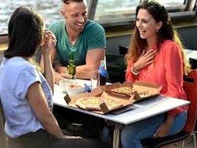 Rondvaart Amsterdam met Pizza of Pannekoeken of luxe Diner