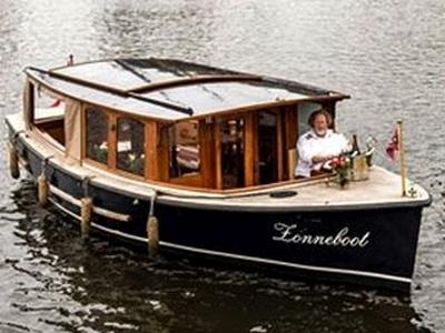 Sloep of salonboot huren in Amsterdam