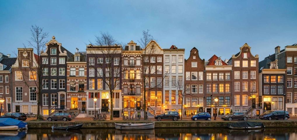 De rijkste en duurste gracht van Amsterdam is de Herengracht